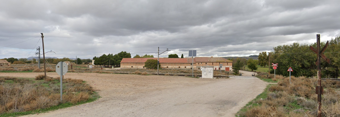Vista de donde estaría situado el antiguo apeadero de Villamejor