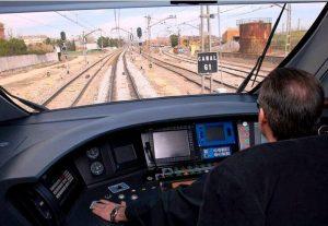 Maquinista en tren Civia - Foto de: hosteltur.com